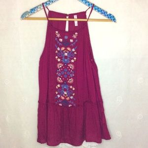 NWT Xhilaration Maroon Floral Embroidered Top M